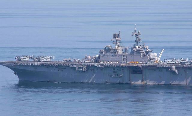 Mỹ dồn dập đưa tàu chiến tới Biển Đông, thách thức Trung Quốc - 1