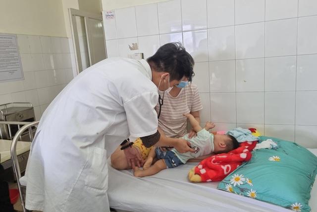 Trẻ mắc bệnh tay chân miệng ở Đà Nẵng tăng cao - 1