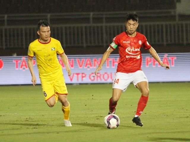 Lee Nguyễn ghi bàn giúp CLB TPHCM thắng đậm SL Nghệ An - 1