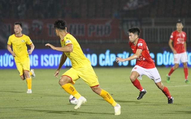 Lee Nguyễn ghi bàn giúp CLB TPHCM thắng đậm SL Nghệ An - 10