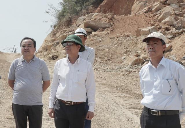 Dự án được dùng 64 tấn thuốc nổ: Chỗ đó phải trồng rừng chứ sao lại xẻ núi! - 3