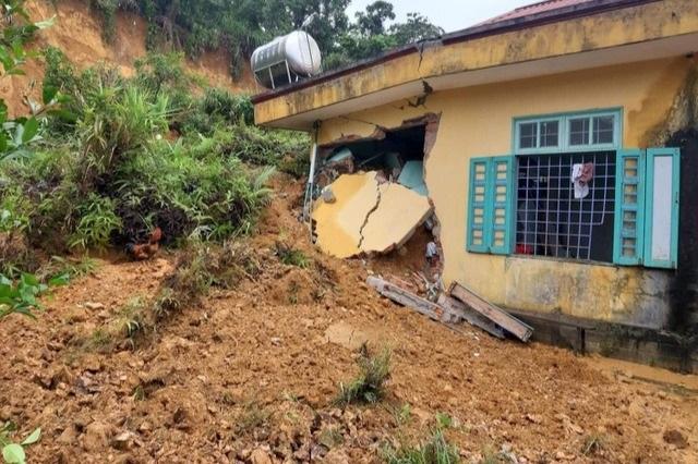 Tỉnh Đoàn vận động xây dựng nhà bán trú cho học sinh vùng bị sạt lở - 2