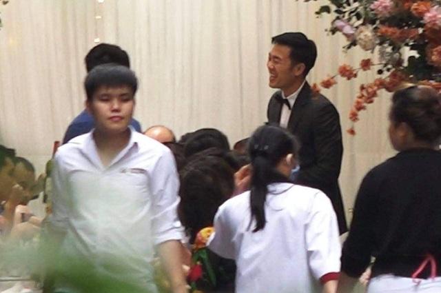 Lễ ăn hỏi của Xuân Trường - Nhuệ Giang thuê vệ sĩ bảo vệ - 1