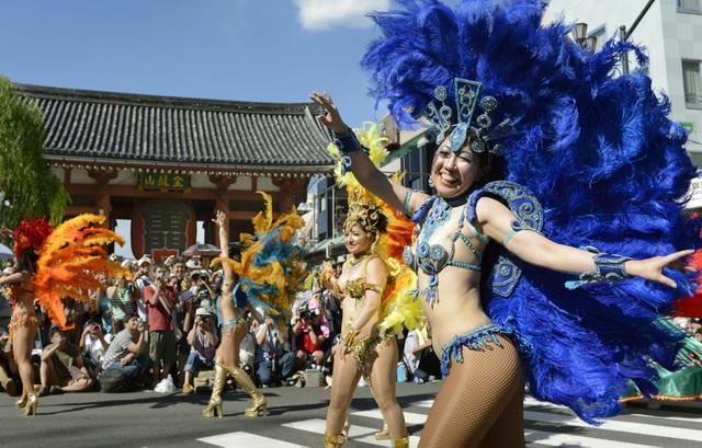Hòa mình vào vũ điệu samba sôi động trên đường phố Tokyo - 3