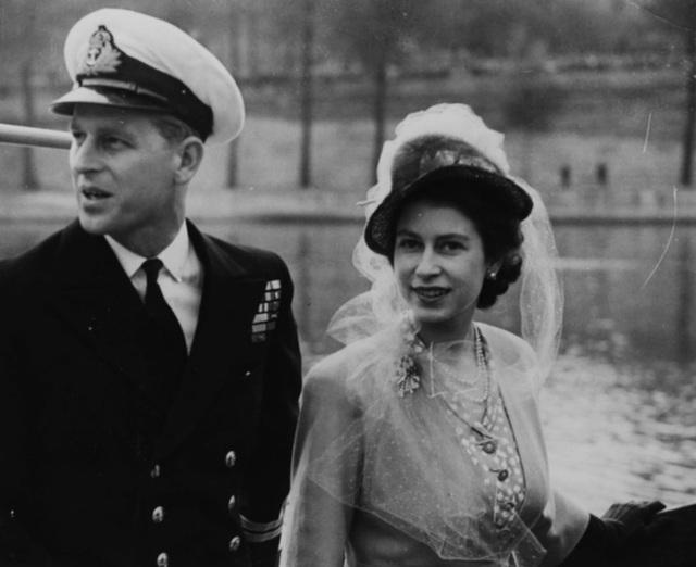 Nữ hoàng Elizabeth II và Hoàng thân Philip: Những khoảnh khắc đẹp nhất - 5