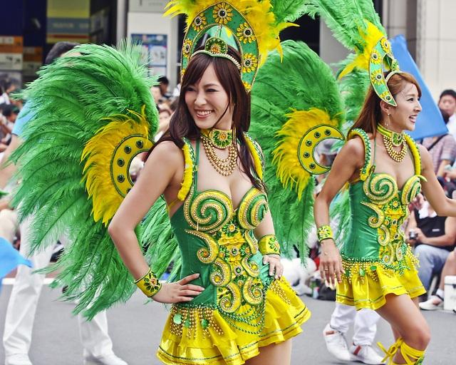 Hòa mình vào vũ điệu samba sôi động trên đường phố Tokyo - 7