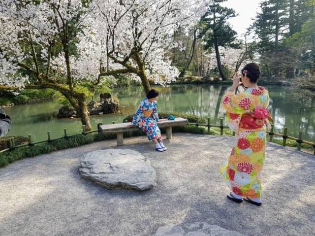 Thung lũng xanh Yamanaka - quê hương của nguồn suối nước nóng cổ đại - 4