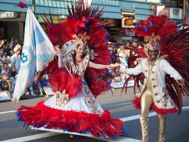 Hòa mình vào vũ điệu samba sôi động trên đường phố Tokyo - 9