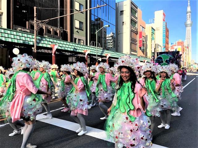 Hòa mình vào vũ điệu samba sôi động trên đường phố Tokyo - 5