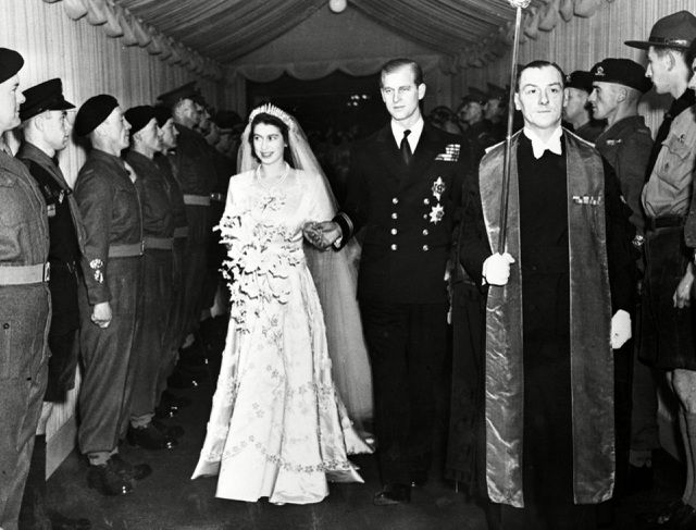 Ngoại hình cực phẩm và điển trai thời trẻ của Hoàng thân Anh vừa qua đời - 5