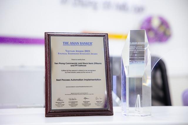 TPBank giành 2 giải thưởng quốc tế danh giá về ngân hàng số - 2