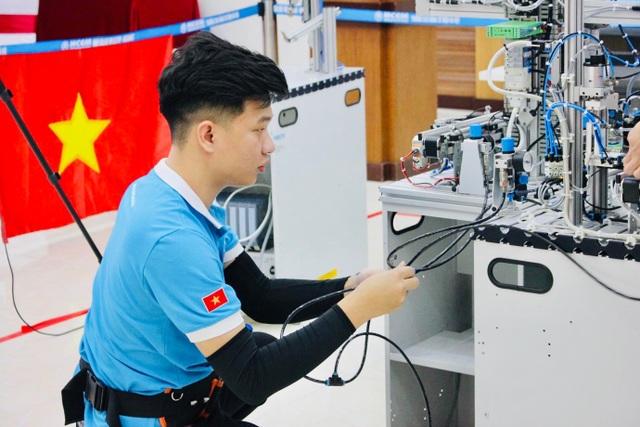 Bỏ ngang đại học, 9X Bắc Ninh giành Huy chương vàng kỹ năng nghề quốc tế - 4
