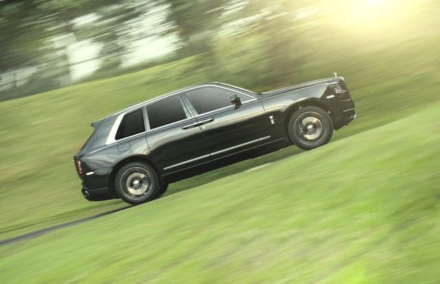 Rolls-Royce đạt doanh số kỷ lục - 2