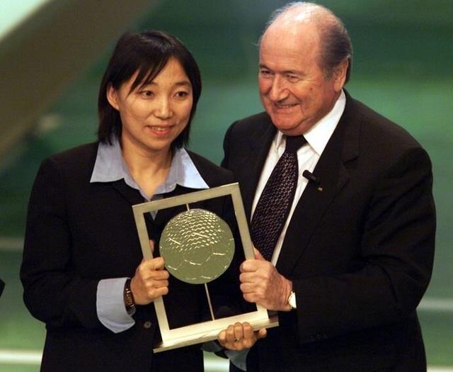 Cuộc đời phi thường của Tôn Văn, huyền thoại bóng đá nữ Trung Quốc - 2