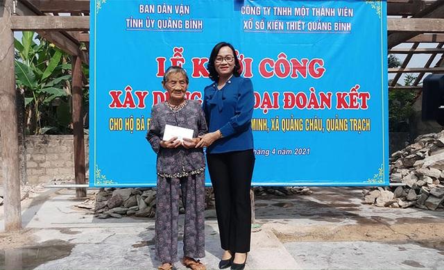 Xây dựng nhà tình nghĩa giúp cụ bà 92 tuổi và con gái bị chất độc da cam - 1