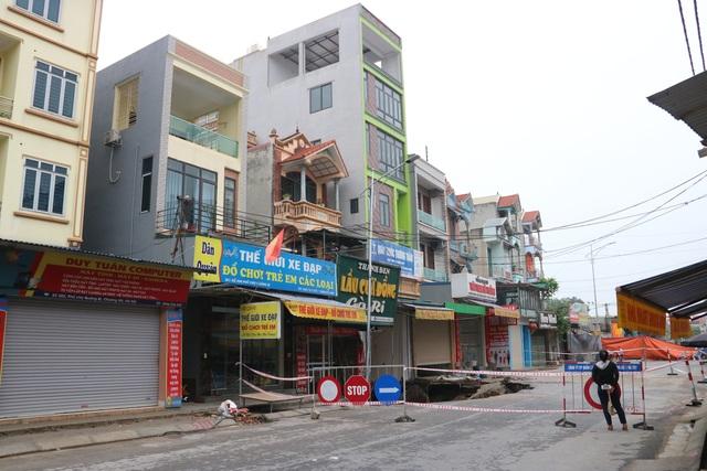 Hố tử thần ở Hà Nội đã nở tới hơn 100m2 - 4