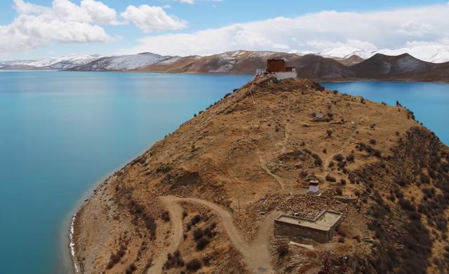 Ngôi chùa bí ẩn nằm giữa hồ Thánh, chỉ có 1 nhà sư ở Tây Tạng - 7