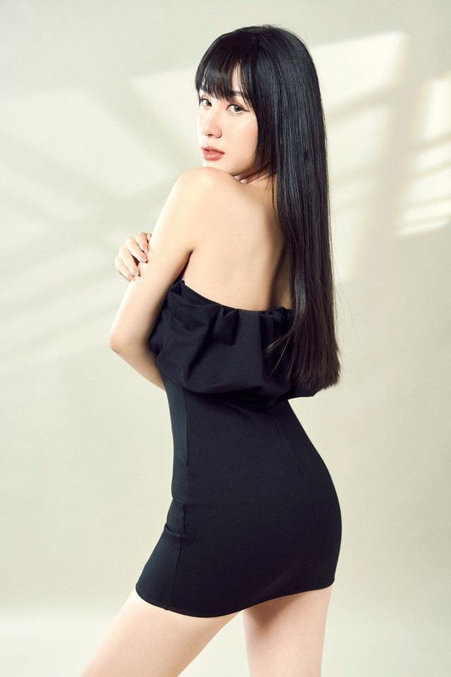 Nữ sinh Học viện Hàng không cao 1m68, thần thái người mẫu sáng ngời - 8