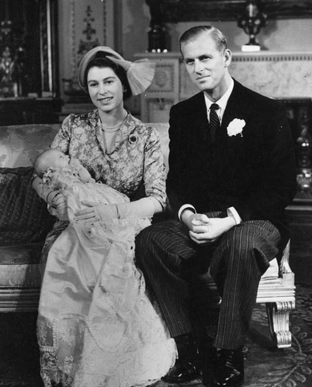 Ngoại hình cực phẩm và điển trai thời trẻ của Hoàng thân Anh vừa qua đời - 7