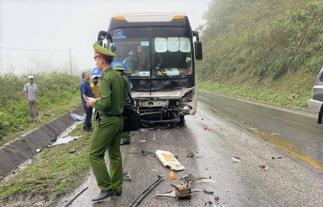 Kia Morning bị vò nát sau tai nạn, 2 người tử vong - 2