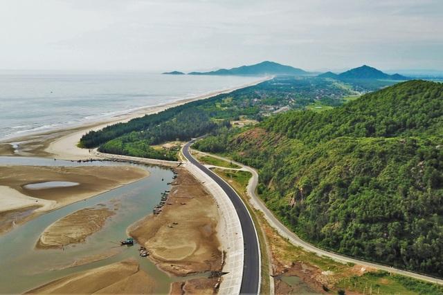 Tai nạn liên tiếp trên tuyến đường gần 550 tỷ chưa được bàn giao - 1