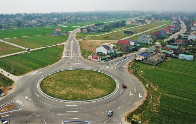 Tai nạn liên tiếp trên tuyến đường gần 550 tỷ chưa được bàn giao - 2