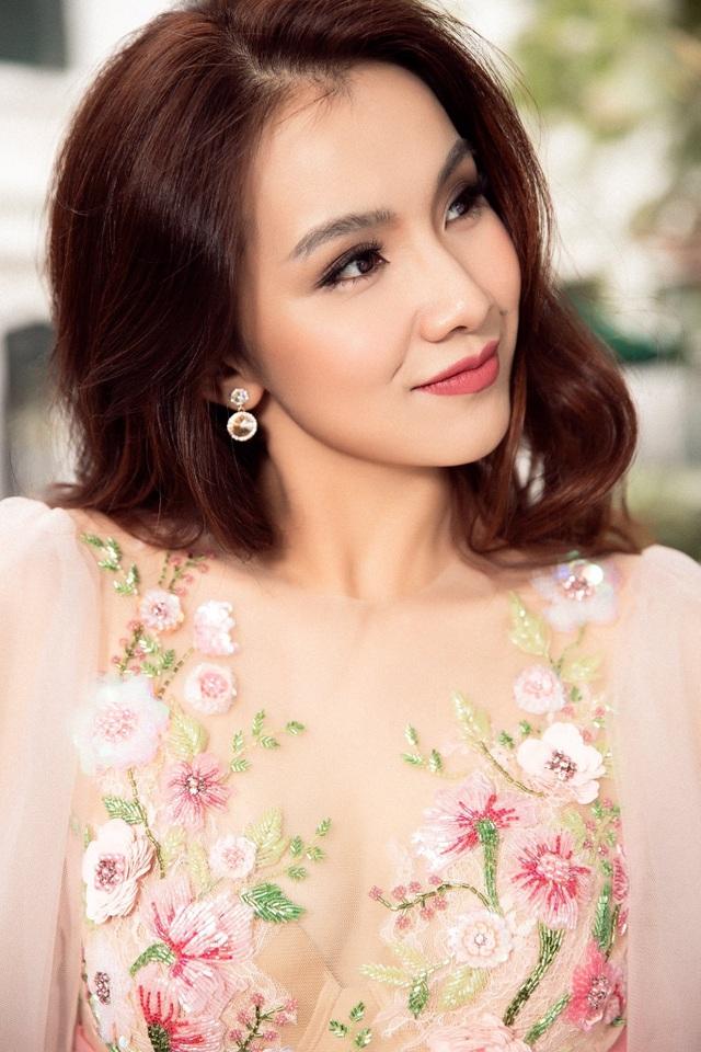Hoa hậu Thùy Lâm tái xuất sau nhiều năm ở ẩn, nhan sắc xinh đẹp gây sốt - 4
