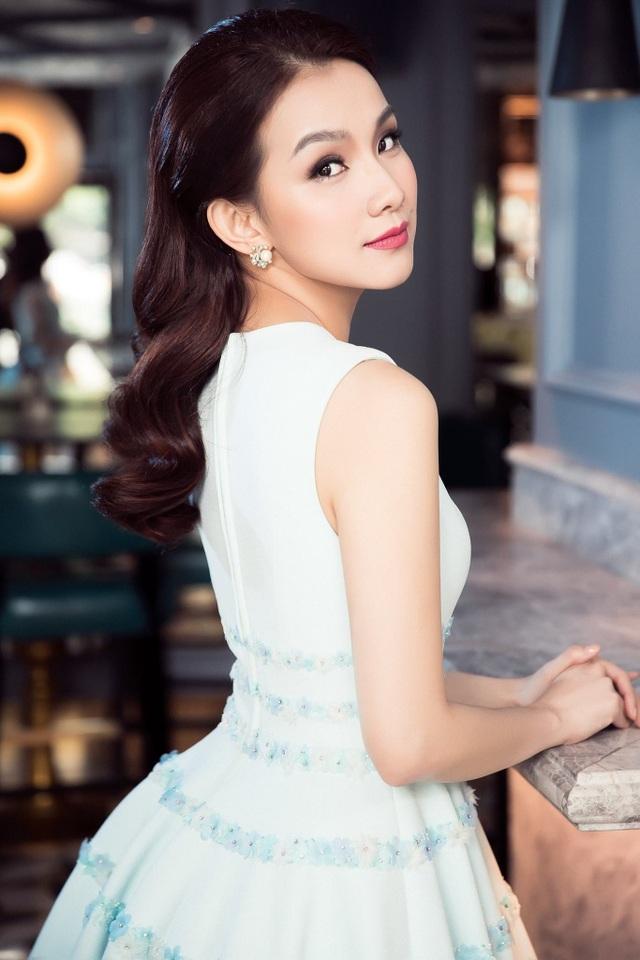 Hoa hậu Thùy Lâm tái xuất sau nhiều năm ở ẩn, nhan sắc xinh đẹp gây sốt - 5