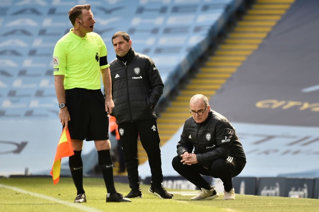 Man City 1-2 Leeds: Đòn knock-out bất ngờ ở phút 90 - 4