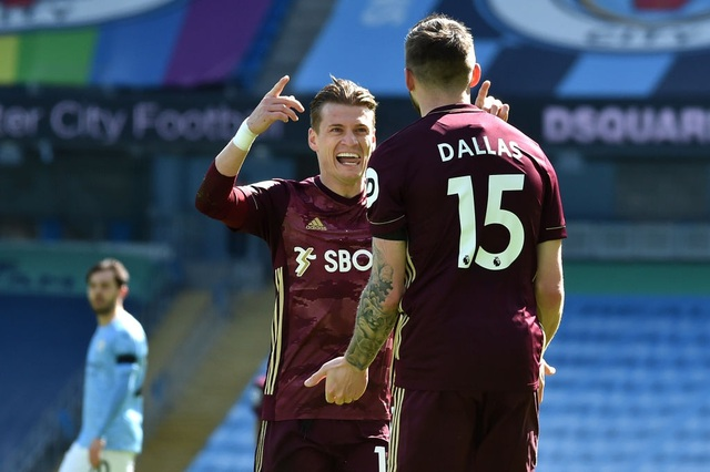 Man City 1-2 Leeds: Đòn knock-out bất ngờ ở phút 90 - 10