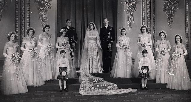Chuyện tình cổ tích của Nữ hoàng Anh và Hoàng thân  Philip - 4
