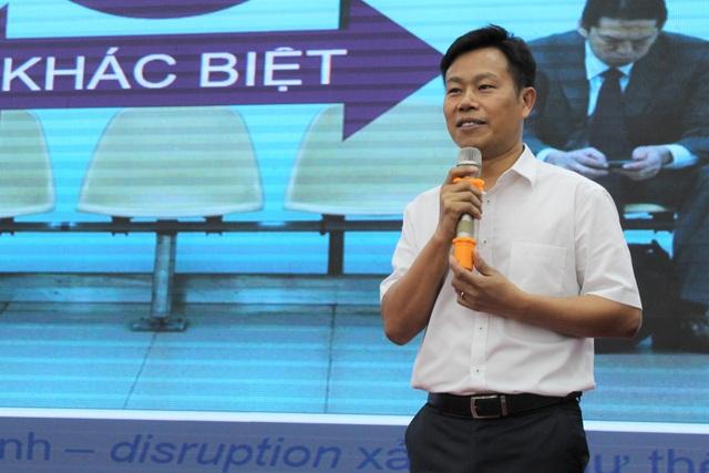 Chủ tịch Cà Mau: Công chức, viên chức trẻ có ý tưởng hay xin cứ nhắn tin - 2