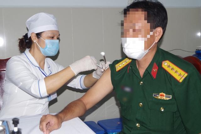 Bạc Liêu: 90 người đầu tiên được tiêm vắc xin ngừa Covid-19 - 2