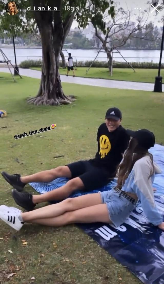 Nhịp sống hot girl tuần qua: Bạn gái Văn Lâm và Tiến Dũng đọ dáng - 4