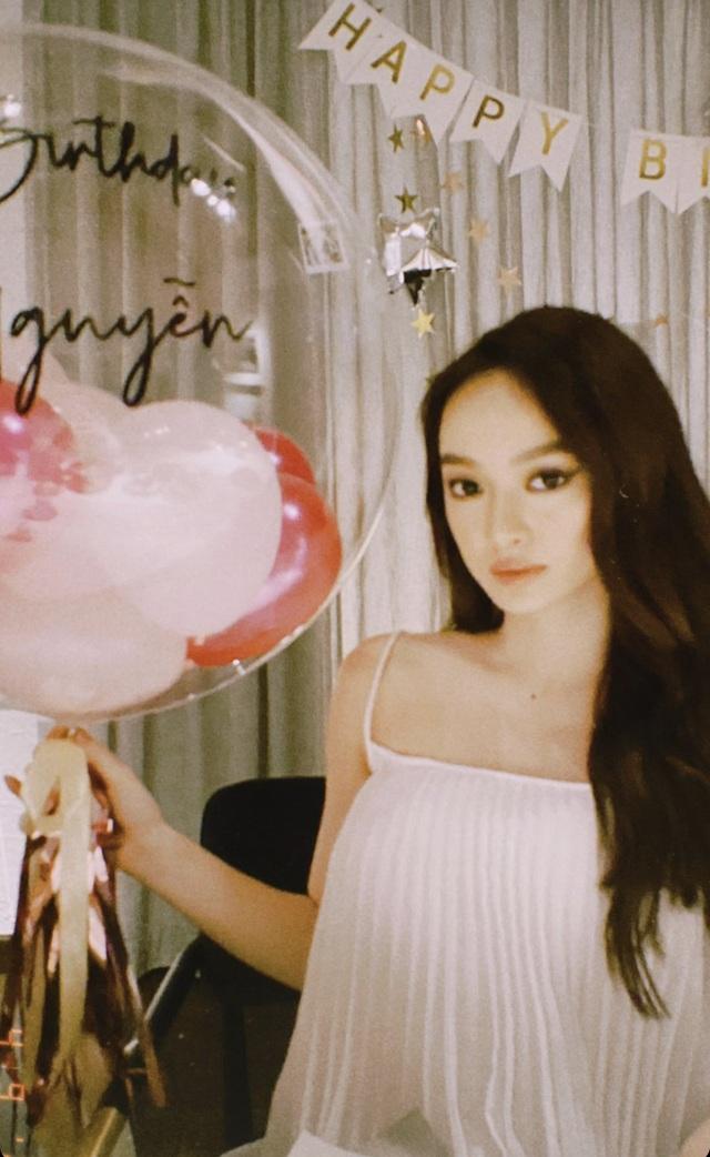 Nhịp sống hot girl tuần qua: Bạn gái Văn Lâm và Tiến Dũng đọ dáng - 11