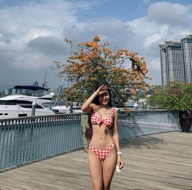 Nhịp sống hot girl tuần qua: Bạn gái Văn Lâm và Tiến Dũng đọ dáng - 1