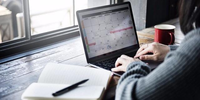 Người thành đạt làm gì vào 10 phút cuối mỗi ngày làm việc? - 1