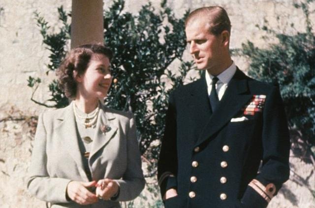 Chuyện tình cổ tích của Nữ hoàng Anh và Hoàng thân  Philip - 1