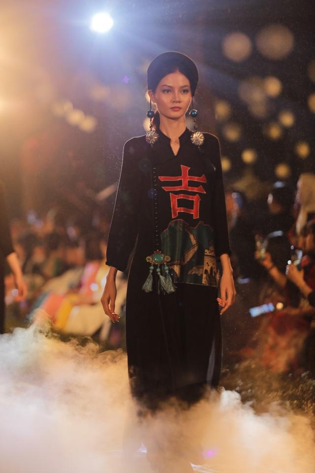 Tự hào Thế giới trong tà áo dài Việt - 13