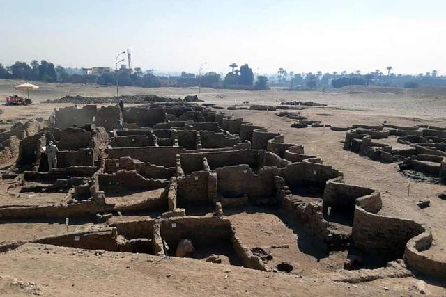 Phát hiện tàn tích của Thành phố vàng đã mất ở Ai Cập - 1