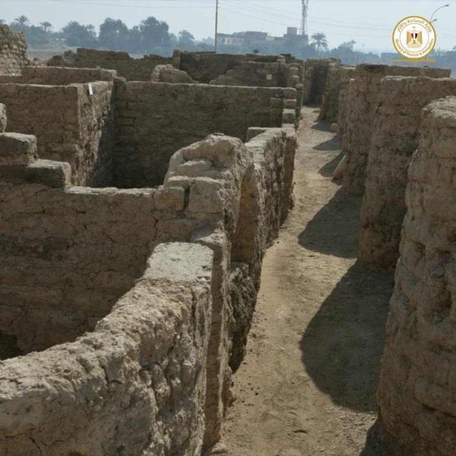 Phát hiện tàn tích của Thành phố vàng đã mất ở Ai Cập - 2