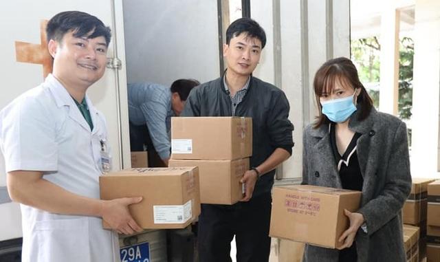 Nghệ An tiếp nhận lô vắc xin phòng chống dịch Covid-19 đầu tiên với 18.500 liều.