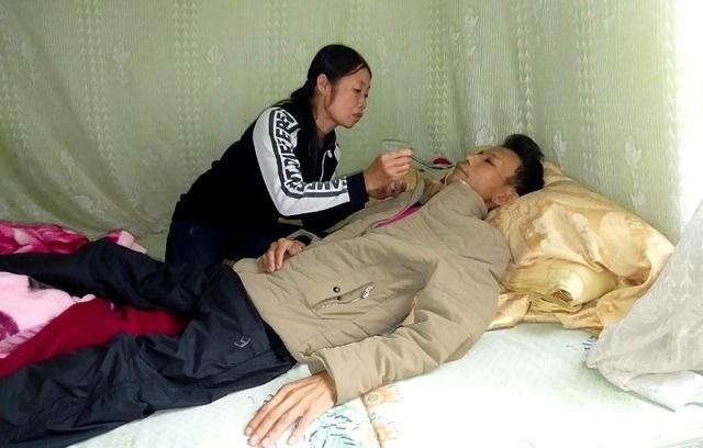 Đau đớn cảnh người phụ nữ bên người chồng mang cái chết cận kề - 7