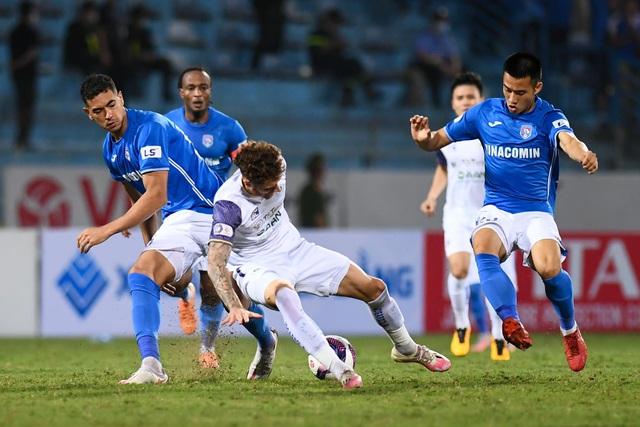 CLB Hà Nội 4-0 Than Quảng Ninh: Quang Hải rực sáng - 10