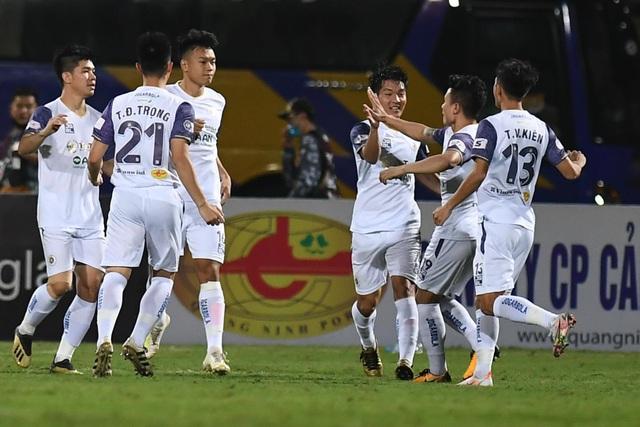 CLB Hà Nội 4-0 Than Quảng Ninh: Quang Hải rực sáng - 19