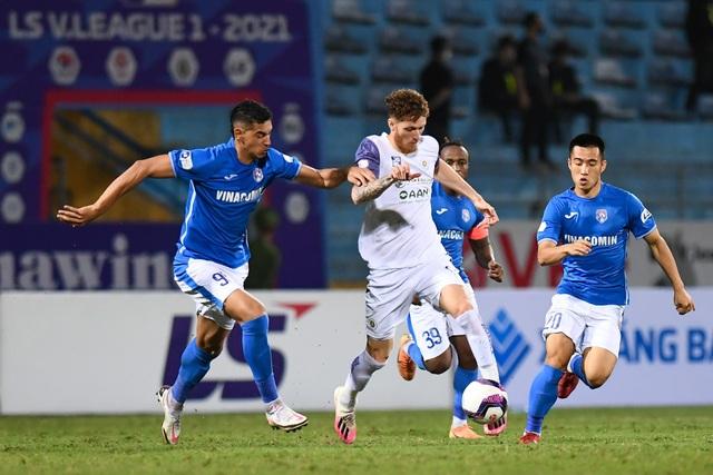 CLB Hà Nội 4-0 Than Quảng Ninh: Quang Hải rực sáng - 4