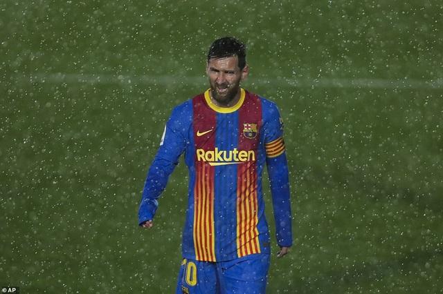 Real Madrid 2-1 Barcelona: Nỗi thất vọng Messi - 11