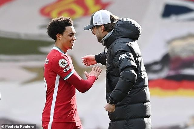 HLV Liverpool phấn khích với khoảnh khắc thiên tài của Alexander-Arnold - 3