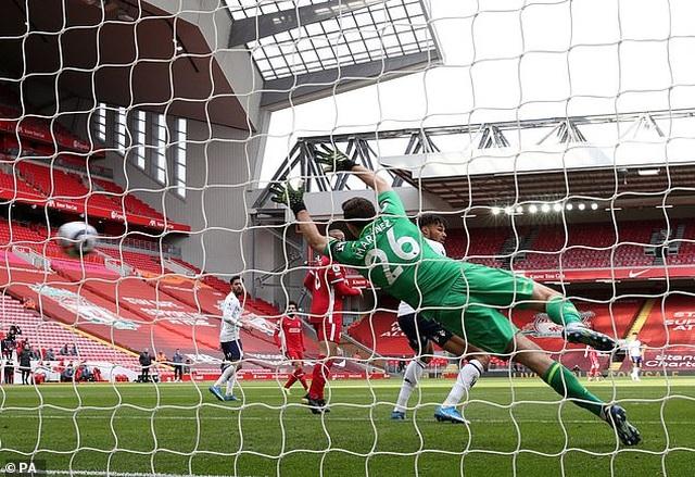 HLV Liverpool phấn khích với khoảnh khắc thiên tài của Alexander-Arnold - 1