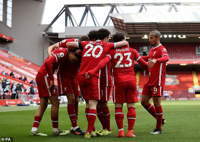 HLV Liverpool phấn khích với khoảnh khắc thiên tài của Alexander-Arnold - 2